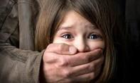"""Điều tra nghi án """"bắt cóc"""" con riêng của người tình để... nhận nuôi"""