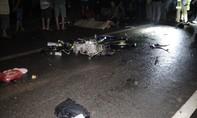 Xe máy tông đuôi xe công nông khiến một người tử vong