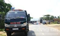 Tông con chó ngã ra đường, hai vợ chồng bị xe tải cán tử vong