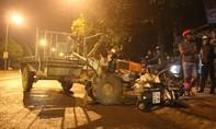 Tai nạn liên hoàn giữa xe tải và xe công nông khiến 2 người bị thương
