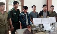 Hà Tĩnh: Phá vụ vận chuyển 97 bánh heroin xuyên biên giới