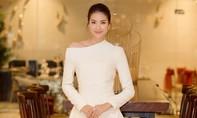 Hoa hậu Phạm Hương gây bất ngờ với giọng hát ngọt ngào, truyền cảm