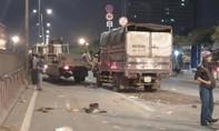 Xe tải tông nhau lúc rạng sáng, 2 người chết, 1 người nguy kịch