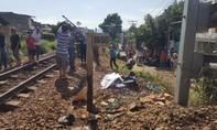 Băng ngang đường sắt, một phụ nữ bị tàu hỏa tông tử vong