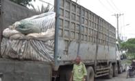 Hơn 70 tấn đường cát nhập lậu nguỵ trang trên xe tải chở phế liệu