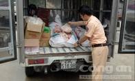 Bắt xe tải chở số lượng lớn mỡ động vật không giấy tờ