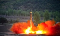 Triều Tiên gây lo ngại với tên lửa mới phóng