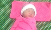 Một bé gái sơ sinh bị bỏ rơi ở bệnh viện