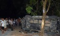 Năm người bị thương sau khi xe mất lái