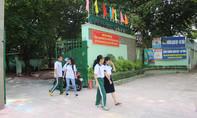 Nhà trường tạo điều kiện cho học sinh xả stress bằng cách… ném bột