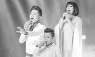 Bé Nhật Minh thể hiện ca khúc 'Cát bụi' đầy xúc động cùng nghệ sĩ Cẩm Vân