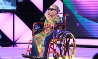 Người mẹ mù lòa, ngồi xe lăn thi hát khiến Cát Phượng, Trấn Thành bật khóc