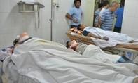 Vận thăng rơi tự do khiến 7 người nhập viện