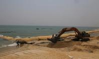 Gỡ khúc mắc để dự án  xây kè chống xói lở ở bờ biển ở Hội An được đồng bộ