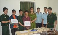 Hai người Lào cắt rừng vận chuyển ma túy vào Việt Nam