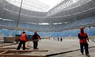 FIFA bị tố để mặc công nhân phục vụ World Cup bị ngược đãi