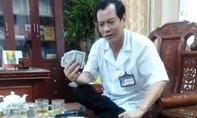 Cảnh cáo Giám đốc bệnh viện huyện vì đánh bài ăn tiền