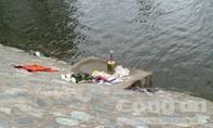 Trượt chân xuống hồ nước, một cháu nhỏ tử vong