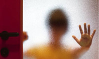 Dẹp nạn xâm hại và buôn bán phụ nữ, trẻ em: Im lặng là tội ác!