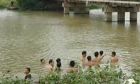 Rủ nhau ra sông tắm, một học sinh đuối nước tử vong