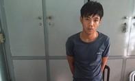 Bắt kẻ đòi nợ thuê đâm chết chủ tiệm chim cảnh giữa Sài Gòn