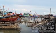 'Tàu 67' không thể cập cảng vì Lạch Vạn bồi lắng