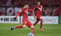 Oscar bị treo giò 8 trận sau pha 'đá láo' tại Trung Quốc
