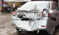 'Hung thần' mất lái tông bẹp 'xế hộp' trong trạm xăng dầu