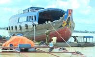 Tài công ngủ gật, tàu gần 100 tấn đâm vào 4 bè cá