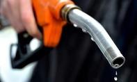 Xăng, dầu tăng giá từ 15 giờ