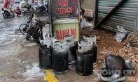 Nổ bình gas khi đang chở bằng xe máy, nhiều người thoát nạn