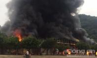 300 người dập lửa cháy dữ dội tại chợ cửa khẩu quốc tế Tân Thanh
