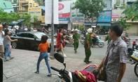 Ca sĩ Đông Nhi bị cảnh sát giao thông nhắc nhở vì đỗ xe sai quy định