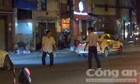 CLIP: Hai tài xế cầm hung khí, ẩu đả giữa đường