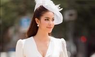 Hoa hậu Phạm Hương thăm Lãnh sự quán Việt Nam tại Fukuoka