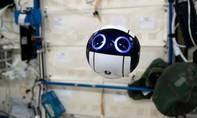 Flycam của Nhật gửi về những hình ảnh đầu tiên từ trạm ISS