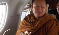 Thái Lan dẫn độ cựu nhà sư bị cáo buộc cưỡng hiếp trẻ vị thành niên từ Mỹ về nước điều tra