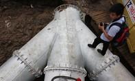 Clip: Khẩn trương lắp đặt siêu máy bơm chống ngập