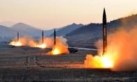 Triều Tiên bất ngờ phóng tên lửa ra biển Nhật Bản