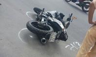 Ôtô và xe máy va chạm khiến một thanh niên bị thương nặng