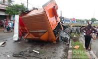 Xe container nổ lốp khi đổ dốc gây tai nạn nghiêm trọng