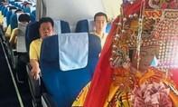 Ba bức tượng thần 'ngồi ghế' thương gia từ Trung Quốc tới Malaysia