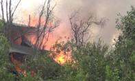 TP.HCM: Xưởng dầu nhớt không phép cháy rực trong mưa