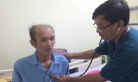Bác sĩ giành lại mạng sống cho người đàn ông Hàn Quốc hết tiền, xin về nước chờ chết