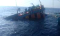Quảng Ngãi: Tàu cá bị đâm chìm, 6 ngư dân may mắn được cứu sống
