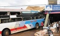 Xe khách gây tai nạn liên hoàn, nhiều người bị thương