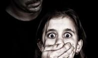 Bắt giữ một nghi phạm kích dục trẻ em qua ứng dụng trực tuyến