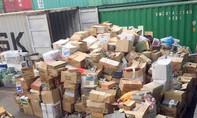 Hàng ngàn bộ bát đĩa Nhật trong 2 container ở cảng Cát Lái