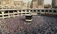 Ả Rập Saudi mở lại biên giới cho người hành hương Qatar