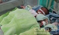 Phát hiện bé gái sinh non bị bỏ trong túi ni lông trước nhà dân